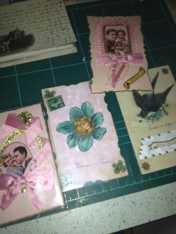 hier j'ai recu de superbes cartes, un vieux missel + porte monaiie et des partitions