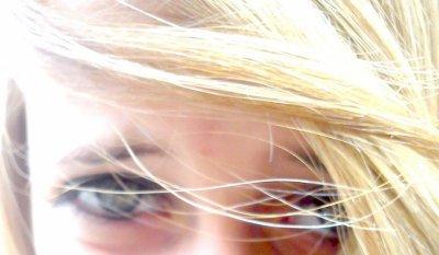 Loin des yeux .. Mais près du coeur..