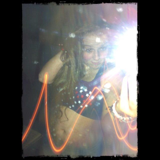 Blog de MaRiineSapeurPompier a qui l'avenir est construit et qu'elle n'a pas peur de la vie futur! ;) Cette fille croque la vie a pleine dent <3