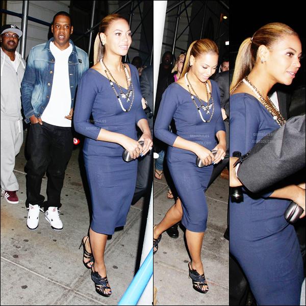 - 19/03/12 : Beyoncé a assisté à une reception donnée par Michelle Obama à l'hôtel Greenwhich à New York.Cette reception avait pour but de réunir des fonds pour la campagne de réélection de Barack Obama. 19/03/12 : Le soir même, Bee' est allée diner au restaurant « Nobu » avec son mari Jay-Z et sa soeur Solange. -