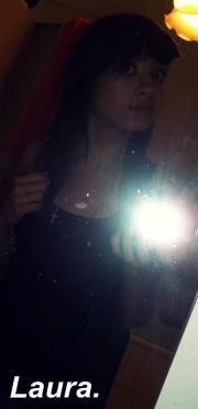 ► # ~ Serre Toi Contre Moi .. Embrasse Moi .. Et Dit Moi Que Tu M'aime ..