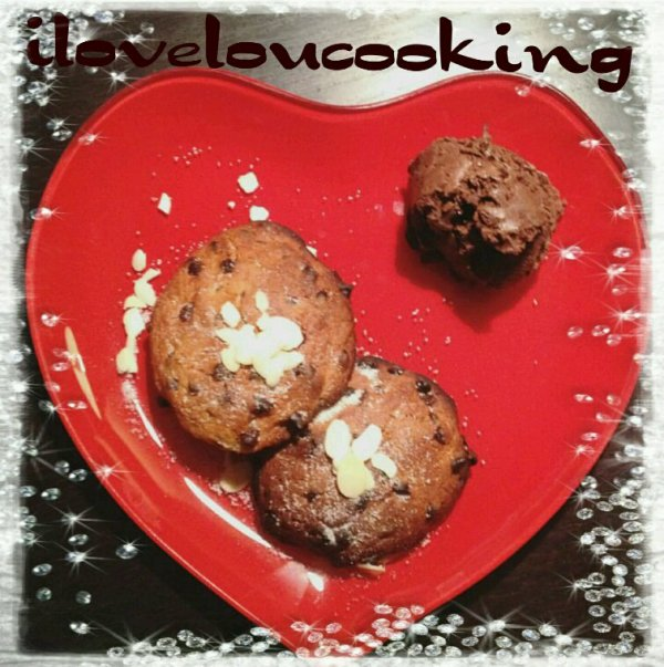 Mes Petits Cookies Accompagné Du Mousse Au Chocolat