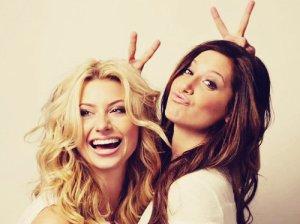 L'amitié, c'est un seul esprit dans deux corps.NEVER-L0SE-HOPEMencius