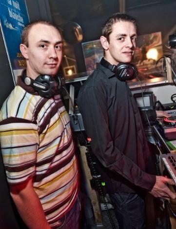 NOUVEAU à partir de Février - 3 DJ Résidents au MEDLEY ( DJ KEVIKEY DJ F-LG & DJ S-CRIME )