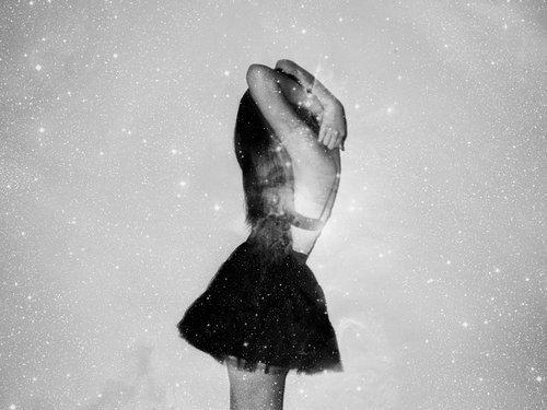 Je me suis toujours détestée.J'éprouvais de la colère. Parfois, je bouillonnais tellement que j'étais prête à exploser. J'étais en colère contre maman, contre toi, contre l'école et contre ces connards qui m'emmerdaient là-bas. Je voulais me débarrasser de moi-même. Je ne voulais plus être moi. Je n'avais que du dégoût pour moi. Je me détruisais et je permettais aux autres de faire la même chose.