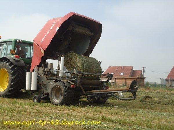 Pressage et enrubannage d'herbe 2012