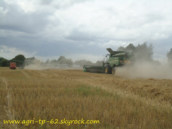 Moisson de blé 2012 dans l'Aisne (02)