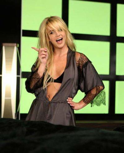 Womanizer- Britney Spears