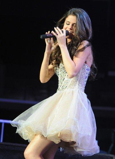 Selena Gomez : Ses plus beaux look de l'année 2011!