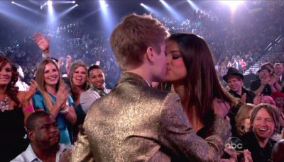 Selena Gomez : Justin Bieber, 1 an de relation en photos