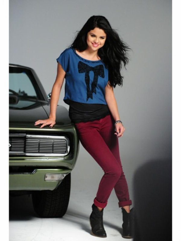 Selena Gomez  a son photoshoot Dream Out Loud