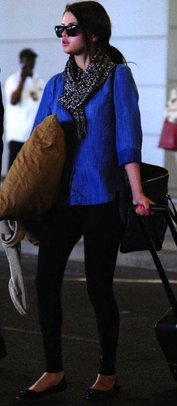 Selena Gomez a l'aéroport !