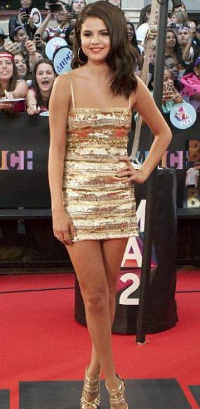 Le look de Selena Gomez a la cérémonie des Much Music 2012!