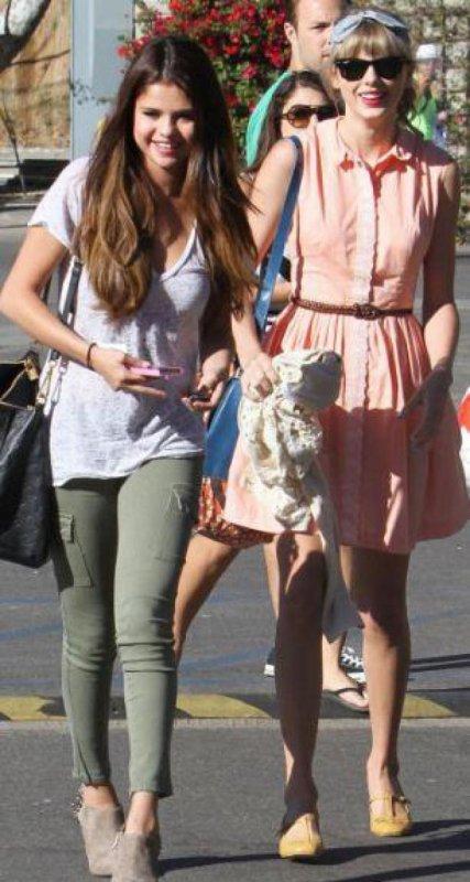Selena Gomez retrouve Taylor Swift avant de retourner sur le tournage de The Getaway !