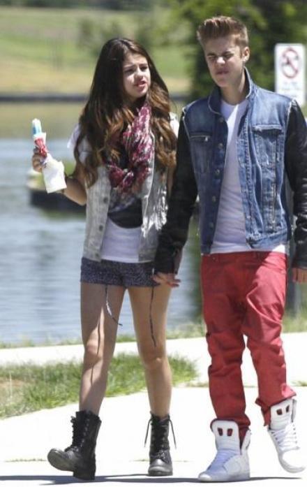 Selena et Justin en promenade romantique!