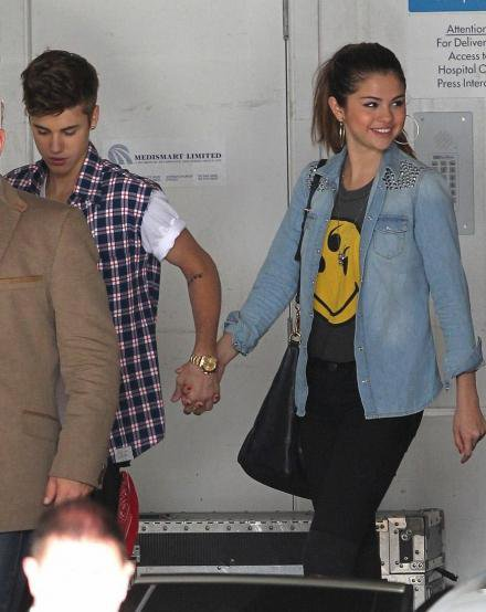 Selena Gomez avec Justin Bieber à l'hôpital pour voir des enfants malades!