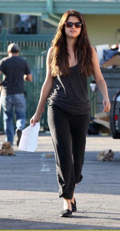 Selena Gomez  sur le tournage de son nouveau film! :)