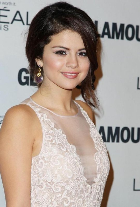 Selena s'est rendue à l'évènement « Glamour Magazine Women Of The Year » a New York!