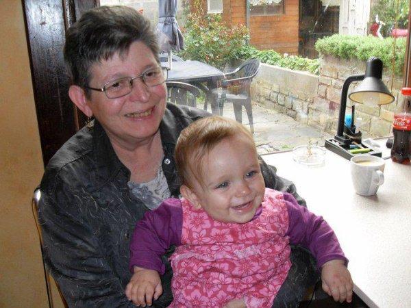 les deux femme que je respect le plus ma grand-mère et ma princesse <3