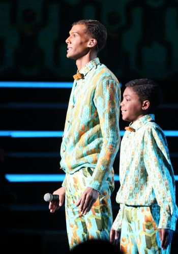 Stromae ce dandy : on décrypte son look