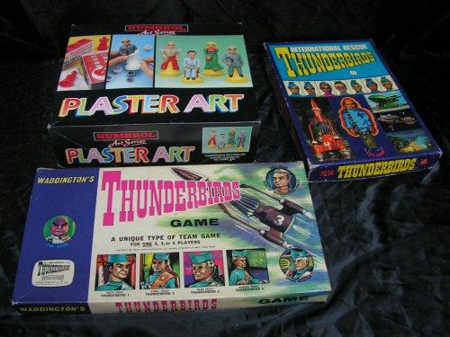 Jeux de années 1960, moulage en platre et episode avec VHS, livre et vaisseau