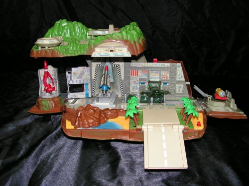 """Les maquettes et les différentes """"Tracy Island"""""""