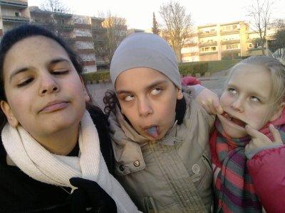 """Nous"""""""" Mdr J'vous Love les filles"""