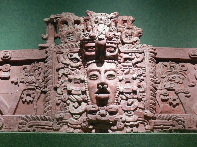 Les Temples Mayas