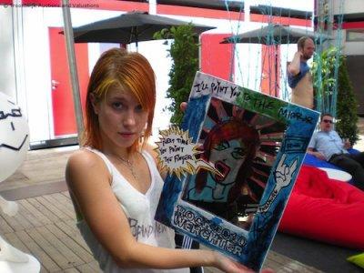 Hayley peint + Vidéo Taylor + fan du jour #9
