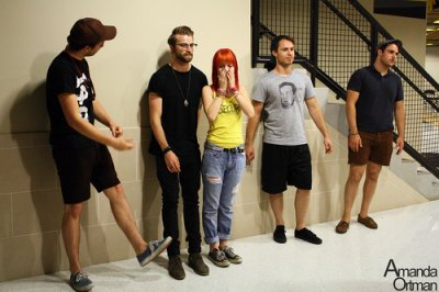 Article Phoenix New Time / Réponse d'Hayley + fan du jour #56