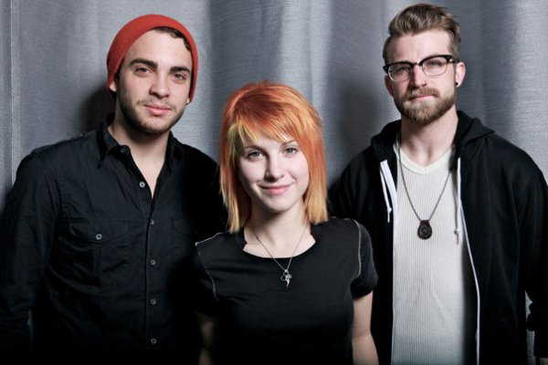 Support Paramore + tatouage Hayley et Taylor