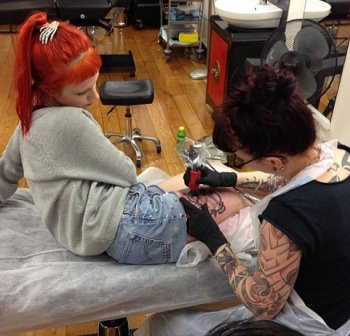 Tatouage Hayley + Photos Australie + Biographie