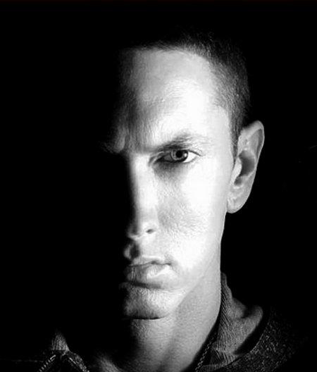 Eminem annonce qu'il travaille sur son nouvel album