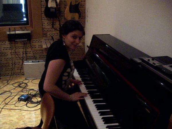 Isabelle Alexandra: chanteuse