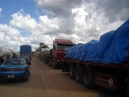KASUMBALESA: LE TRAFIC CLANDESTIN DE VEHICULES AUX YEUX DES AUTORITES A MOKAMBO