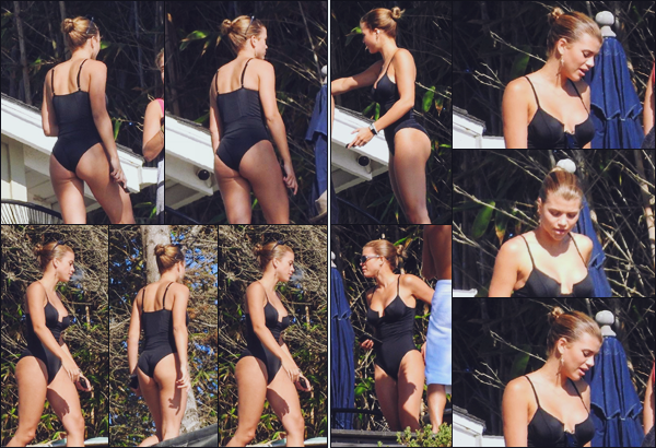 """"""" -29/09/18 •- La ravissante Sofia Richie est photographiée profitant du soleil chez une amie à Malibu, Californie !C'est en maillot de bain que nous retrouvons la jeune femme profitant d'une après midi bronzette entre filles ! Sofia R est canon, ce maillot lui va si bien. ."""