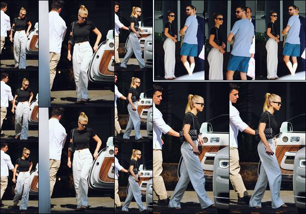 """"""" -17/02/19 •- Sofia et son petit ami Scott sont aperçus quittant une magnifique villa située dans la ville de Miami.Et bien, nos amoureux ne s'arrêtent plus en ce moment, surtout la belle Sofia qui nous fait énormément de tops en ce moment !! Elle est juste sublime ! ."""