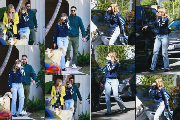 """"""" -22/02/19 •-Les amoureux Sofia Richie et Scott Disick sont vus quittant la maison d'un ami, dans Beverly Hill's !Notre jeune mannequin est donc de retour en Californie après un court séjour à Miami. Comme toujours, j'adore la tenue de Sofia, elle fait que des tops. ."""