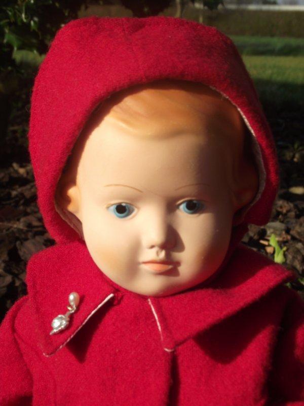 Les petits manteaux rouges