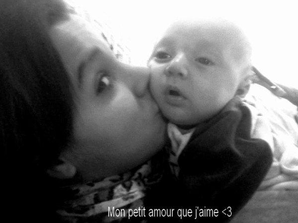 Je t'aime mon petit coeur, celui qui illumine depuis ce 3 janvier 2012 ..(l)
