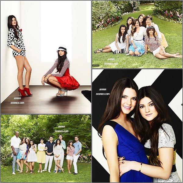 -- PHOTOSHOOT: Découvrez un superbe photoshoot de toute la famille Kardashian & Jenner du 7 janvier --