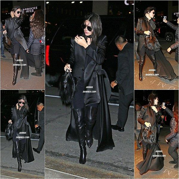 -- 10/02/2016: Kendall Jenner a porté plainte contre une marque de cosmétiques contre l'acné qui a utilisé sont image sans son accord. Elle demande 10 Millions de dollars! Elle est actuellement à New York. J'aime bien comment Kendall est habiller j'aime beaucoup ses bottes aussi. Vos Avis? --
