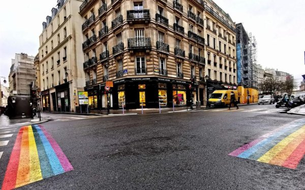 Paris :  le  Marais,  quarante  ans  de vie  LGBT ....