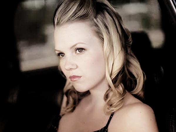 Rubrique: 90210 - Nouvelle recrue , Abbie Cob