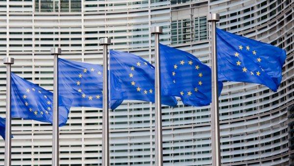 A LA UNE.Fin de la vivisection : la Commission européenne va trancher