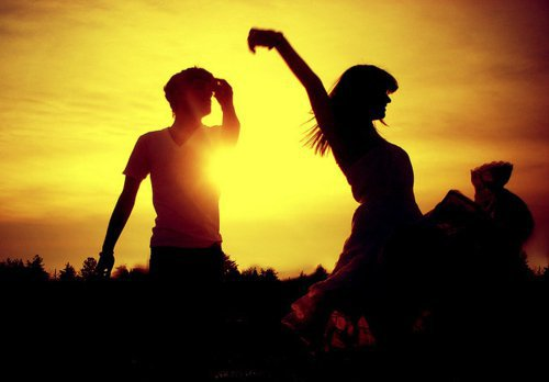 Ton rire, ta voix, pas une simple mélodie mais la bande d'annonce de ma vie.