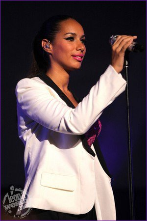 LEONA LEWIS (PHOTOS + VIDEOS) @ TRIBECA FESTIVAL FILM 2011 - QUATAR
