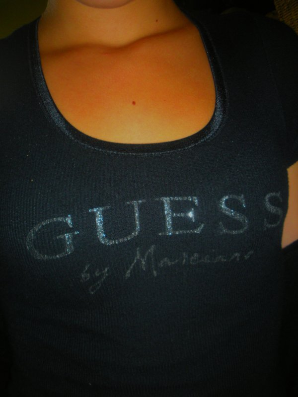 Tshirt Guess Noir Taille 1