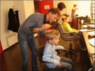 Petite préparation niveau coupe avant de monter sur scène pour Mattéo et Rémi !