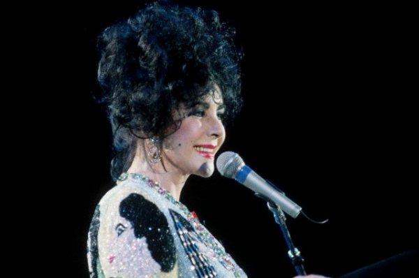Discours de Liz Taylor au Freddie Mercury Tribute Concert